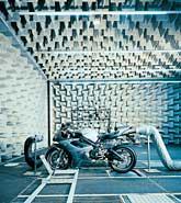Звукът на мотора не е случайност, а истински инженерен проект 02