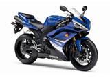 Сравняване на мотоциклети Yamaha YZF-R1 и Suzuki GSXR 1000 03