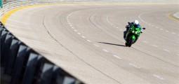 7 въпроса към инженерите на 2012 Kawasaki ZZR-1400 02