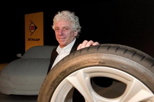 Нова свръхвисокоскоростна гума на Dunlop 01