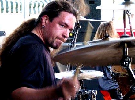 Екслузивно за феновете на мотори - Томас Хааке от Meshuggah 01