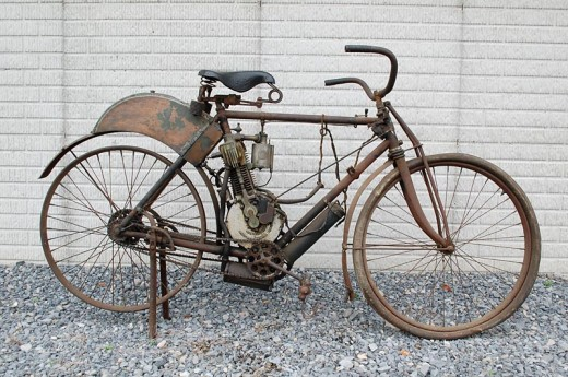 Продава се най-старият американски мотоциклет