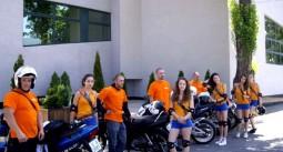 Рекламират джакпота с мотористи 01
