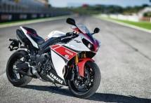 2013 Yamaha YZF-R1 05