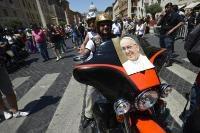 Папа Франциск благослови рокерите 01