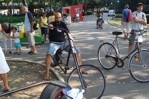 """Бургазлия майстори уникални велосипеди """"Чопър"""" от стари чаркове 07"""
